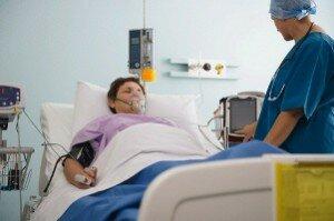 Кома после инсульта: сколько дней продолжается, шансы выжить и прогноз